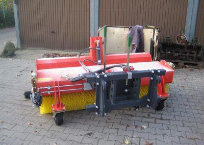 ADLER – Kehrmaschine Typ K610 2 - Dirkes Baumaschinen